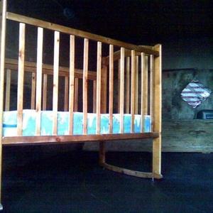 Продам детскую кроватку в отличном состоянии на колесиках
