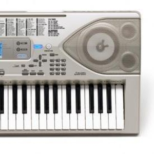 продаю Casio CTK-900